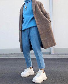 Coat season 5 or Fresh Outfits, Casual Outfits, Urban Minimalist Fashion, Parisian Girl, Blue Jean Outfits, Mode Man, Korean Fashion, Mens Fashion, Layered Fashion