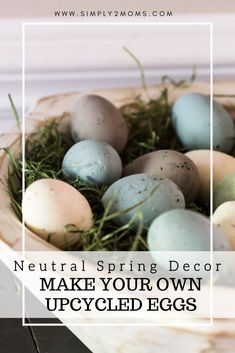 Learn how to make your own chalk-painted plastic eggs. Turn those old plastic Easter eggs into pretty, neutral, spring decor. Plastic Easter Eggs, Easter Egg Crafts, Easter Decor, Easter Ideas, Easy Craft Projects, Diy Crafts, Decor Crafts, Painting Plastic, Vintage Baskets