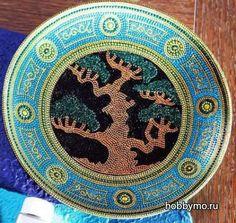 Точечная роспись тарелки контурами