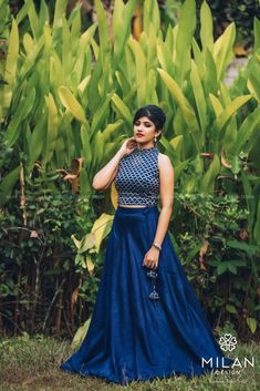 Milan offers a wide variety of Designer, Bridal & Wedding Sarees Online Kochi, Kerala, India. Choli Designs, Lehenga Designs, Blouse Designs, Gown Party Wear, Party Wear Sarees, Wedding Sarees Online, Saree Wedding, Full Skirt And Top, Long Skirt Outfits