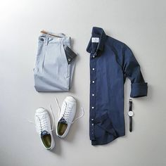 Designer mens clothes have gained more and more popularity over the last few years. Mens clothes are no longer just plain and uninteresting as they had been before. They come in a wider variety of … Mens Fashion Blog, Latest Mens Fashion, Look Fashion, Fashion Design, Mode Outfits, Stylish Outfits, Fashion Outfits, Minimal Outfit, Men's Wardrobe