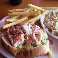 Kelly's landing lobster roll Fort Lauderdale Restaurants, South Florida, Cheesesteak, Landing, Affair, Rolls, Dishes, Ethnic Recipes, Food