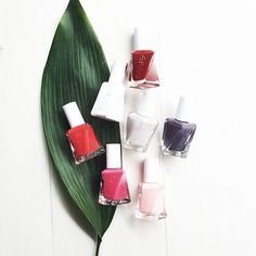 These très chic, jaw-dropping gel couture shades are precisely tailored for a true luxury experience with everlasting essie style.