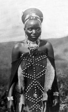 Africa | Zulu woman.  South Africa || Vintage postcard; dated 1937.