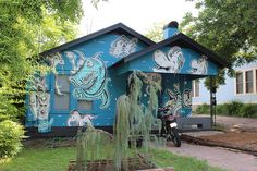 austin // texas // travis heights: a very seussical house