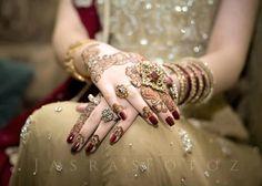Elegant Mehndi Designs & Simple Mehandi Designs for Hands - Bridal 'N' Bridal Mehandi Designs, Bridal Henna Designs, Mehndi Designs For Hands, Simple Mehndi Designs, Henna Tattoo Designs, Henna Tattoos, Tatoos, Unique Henna, Bridal Bangles