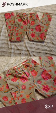 Jones New York Skinny Ankle Jeans Beautiful floral print skinny stretch jeans. Size 6. New without tags. So cute! 28 inch inseam Jones New York Jeans Ankle & Cropped