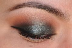 This eyeshadow pattern is so flattering on almost anyone!