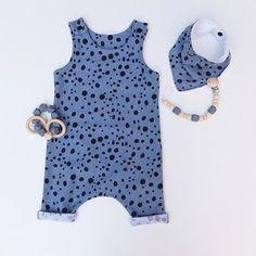 Hoy venimos con una primicia que os hará saltar de alegría: ¡ha vuelto la tela dálmata en azul que tanto os gustó! 👏🏻  #petitropit #haremromper #handmadeclothing #babystyle #modabebe #ropabebe #fasionkids