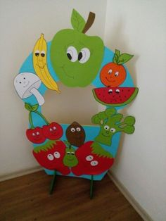 Yerli mali hatirasi :-) Class Decoration, School Decorations, Fruit Crafts, Fruit And Veg, Fruit Art, Pre School, School Projects, Art For Kids, Crafts For Kids