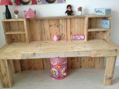 Wood / Pallet, desk