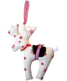 Cute reindeer tutorial. Great link to pdf templates for winter holiday applique too!