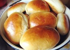 Patties for 5 minutes. Well, very light dough! Russian Desserts, Russian Recipes, Dog Food Recipes, Cooking Recipes, Good Food, Yummy Food, Croissants, Bagels, International Recipes