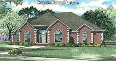 House Plan #026831 - Country Club Drive - Distinctive House Plans 4 bed 2.5 bath 2631 sq ft. Needs another bath though
