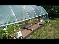Pvc Greenhouse, Ideas Para, Diy, Youtube, New Homes, Decoration, Gardens, Greenhouse Gardening, Growing Vegetables