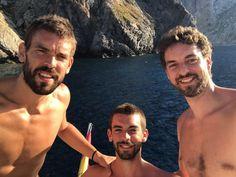 Disfrutando de #Ibiza en familia! #Hermanos #MomentosEspeciales #Afortunado  Enjoying Ibiza with my #brothers! #Specialmoments #Fortunate