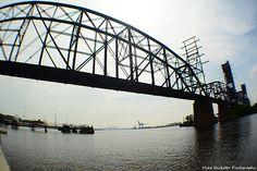 Fish-eye shot of the Delair Bridge.