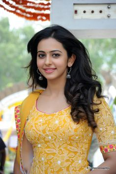 😘😘😘😘👦Rakul Preet Singh Gorgeous and Curvy Actress Beautiful Girl Indian, Most Beautiful Indian Actress, Beautiful Gorgeous, Beautiful Pictures, South Actress, South Indian Actress, Beautiful Bollywood Actress, Beautiful Actresses, Bollywood Images