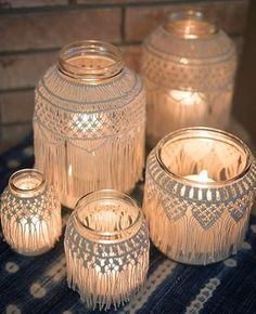 AWESOME IDEA ALERT! Sun is setting over here on the east coast where it's been sleeting and horrible out all day. I can almost feel the warmth coming from these gorgeous macrame jars made by Holly at @thisiswhatido. And the best part is that she has a bunch of these ready to go in her #etsy shop! #Saturdaynight romantical vibes commence ✨✨✨✨✨✨✨(3 mm string in action) #eventstyling #weddingstyling