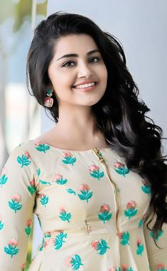 Anupama Parameswaran in Asmitha & Madhulatha design. Anupama Parameswaran in casual wear designed by Asmitha & Madhulatha. Beautiful Bollywood Actress, Most Beautiful Indian Actress, Beautiful Actresses, Beauty Full Girl, Cute Beauty, Beauty Women, Anupama Parameswaran, Stylish Girl Images, Beautiful Girl Image