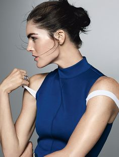 Sexy and Sporty: Hilary Rhoda Demonstrates How to Show Off Your Best Assets | Flaunt arms and shoulders with a sleek tank