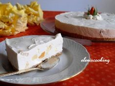 CheeseCake με Φρούτα   Είμαστε Γυναίκες   Το απόλυτο γυναικείο περιοδικό Feta, Cheesecake, Dairy, Desserts, Tailgate Desserts, Deserts, Cheesecakes, Postres, Dessert