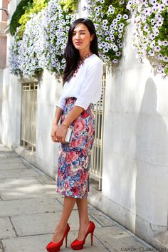 A floral take on the pencil skirt // #Fashion #StreetStyle