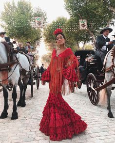 fashion_trendystyle on Insta Web Viewer Spanish Dress Flamenco, Shabby Chic Outfits, Flamenco Costume, Mexican Hat, Belly Dancers, Womens Fashion, Fashion Trends, Style Inspiration, Formal Dresses