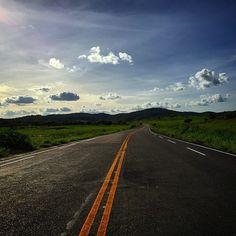 Rodovia - LMG-634 - Almenara - Minas Gerais - Brasil - #ig_brasil #ig_brazil #ig_brazil_ #instagram #image_gram #ig_worldclub #igers_minasgerais #ig_minasgerais #fotodasgerais #minasgerais #mundofotografado #minasgerais #ig_estradas #rodoviasdobrasil #rua