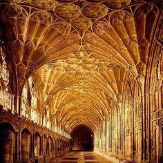 Gloucester Carhedral / England