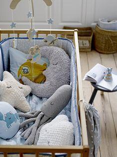 Naturel kinderkamer met maan-, ster- en wolklussen - bekijk en koop de producten van dit beeld op shopinstijl.nl