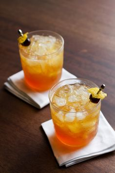 Whisky Cocktail, Bourbon Cocktails, Cocktail Drinks, Cocktail Recipes, Manly Cocktails, Drink Recipes, Cocktail Garnish, Rye Whiskey Drinks, Cointreau Cocktails