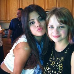 selena and joey king celebrating both their birthdays Joey King, Ramona Books, Ramona And Beezus, Estilo Selena Gomez, Beverly Cleary, Feriha Y Emir, Kyle Richards, Celebrities Then And Now, Kissing Booth