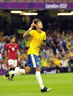 Deportivoros: Brasil 3-2 Egipto: El 'Scratch du Oro' sufrió de más en su debut olímpico http://deportivoros.blogspot.com/2012/07/mexico-0-0-corea-del-sur-frio-empate.html