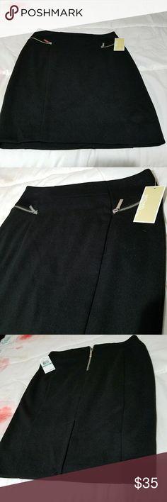 MICHAEL KORS  SKIRT BRAND NEW SIZE IS 8 PETITE Michael Kors Skirts Pencil