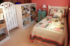 Shared bedroom - how cute is the little gate? would be a darling idea for a bonus room turned double kids room! Bedroom Divider, Kids Room Lighting, Kids Room Organization, Room Dividers Kids, Shared Bedrooms, Vestibule, Kids Room Design, Little Girl Rooms, Bedroom Storage