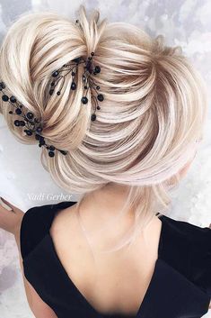 Sophisticated Updo Hairstyles With Accessories picture3
