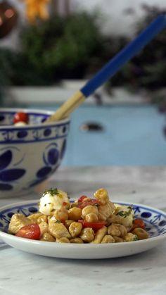Essa salada de grão de bico é muito nutritiva, deliciosa e prática!