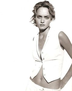 Campaign: Jil Sander Season: Spring 1994 Photographer: Peter Lindbergh Model(s): Amber Valletta