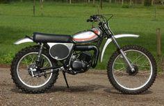 Yamaha YZ 125 A 1974 Mx Bikes, Motocross Bikes, Vintage Motocross, Vintage Racing, Cool Bikes, Dt Yamaha, Yamaha Yz 125, Yamaha Bikes, Dirtbikes