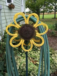 31 Epic Horseshoe Crafts to Consider In a Vibrant Rustic Decor 31 Epic Horseshoe Crafts to Consider In a Vibrant Rustic Decor The post 31 Epic Horseshoe Crafts to Consider In a Vibrant Rustic Decor appeared first on Metal Diy. Horseshoe Art, Horseshoe Projects, Horseshoe Crafts, Lucky Horseshoe, Metal Projects, Metal Crafts, Art Projects, Horseshoe Decorations, Welding Projects