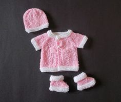 This little premature baby cardi is so simple ...... but so sweet! Knitted top-down ~ and only two tiny sleeve seams to sew up. ...