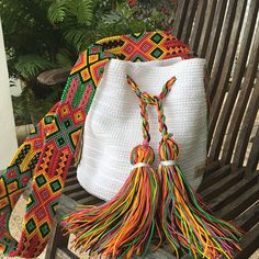 Otomi Mexican Craft Design by Otomiartesanal on Etsy Mochila Crochet, Stoff Design, Mexican Crafts, Potli Bags, Maya, Embroidery Techniques, Design Crafts, Hand Knitting, Etsy