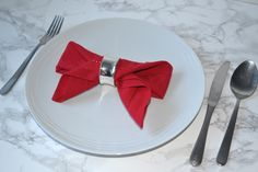 Napkin folding 3 ideas for your christmas table girl about townhouse diynapkinfolding three step by step napkin folding tutorials to help you create a stunning table perfect for christmas or your next celebration best diy napkin folding tutorial ideas Christmas Tree Napkin Fold, Christmas Napkins, Christmas Paper, Simple Christmas, Beautiful Christmas, Xmas, Christmas Crafts, Napkin Ring Folding, Bunny Napkin Fold