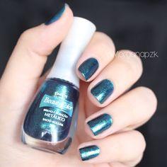 Esmalte Salto Agulha da Beauty Color. #Nails #Unhas #Glitter #Verde #NailPolish #NailsDesign By @morganapzk