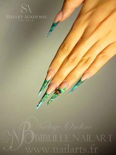 Nail art stiletto aquarium résine et gel + strass Video tuto : http://www.youtube.com/watch?v=bzb7JNA0ojQ&list=UUt7p93YTZ2pp098DWGTujTA