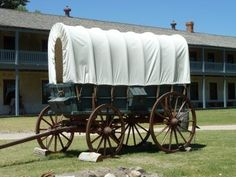 Covered Wagon at Fort Laramie-Kramer Fort Laramie, Covered Wagon, American Frontier, Old West, Google Search, Crystals, Wild West