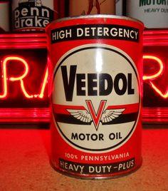 Vintage VEEDOL MOTOR OIL 1 QT. (full) Metal Can, circa 1950's