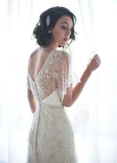Vestidos de novia estilo art decó: Mejores modelos [FOTOS] - Vestido de novia estilo art decó con mangas mariposa