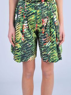 "KENZO  Bermuda stampa ""jungle""  http://www.dipierrobrandstore.it/product/2244/Bermuda-stampa-jungle-.html"